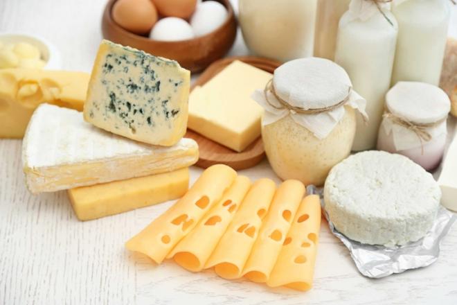 Sữa và các chế phẩm từ sữa rất giàu canxi thích hợp cho trẻ tăng chiều cao