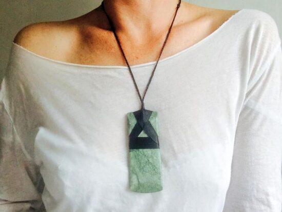 Mặt dây chuyền ngọc bích Maori